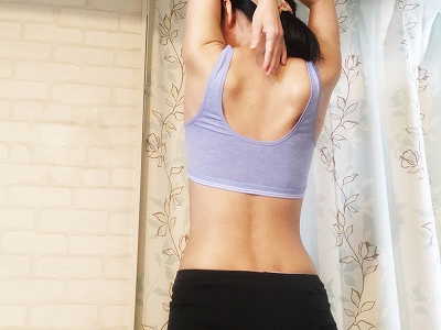 【背中痩せ】簡単にできる女性らしいしなやか背中になる方法/初級編